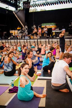 Yoga Session Soulshine Tour 2014 (18 of 22)
