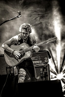 John Butler BW Red Rocks (1 of 1)