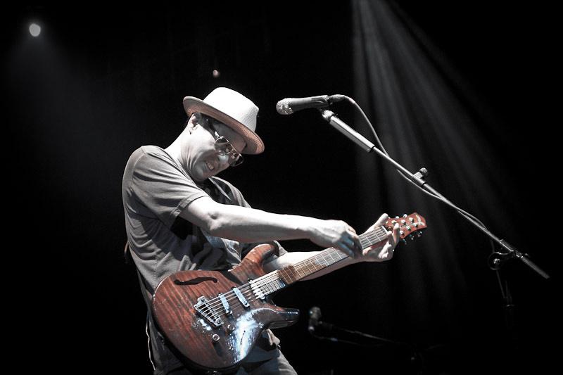 Todd Park Mohr shredding the guitar