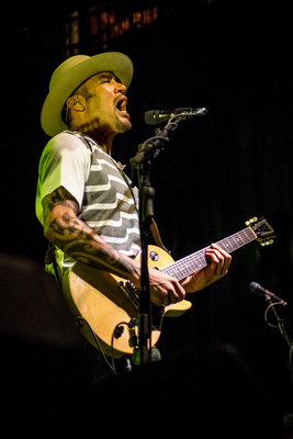 Ben Harper and The Innocent Criminals, 5-2-2017 Jannus Live